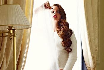 Lana Del Rey oops
