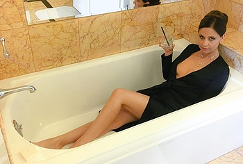 Sarah Michelle Gellar leaked nude photos