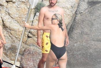 Kate Hudson ass