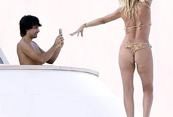 Valeria Marini thong bikini