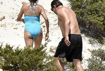 Penelope Cruz booty photos