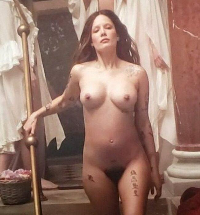 Halsey nude leaked