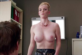 Betty Gilpin naked photos
