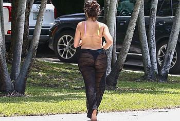 Camila Cabello paparazzi