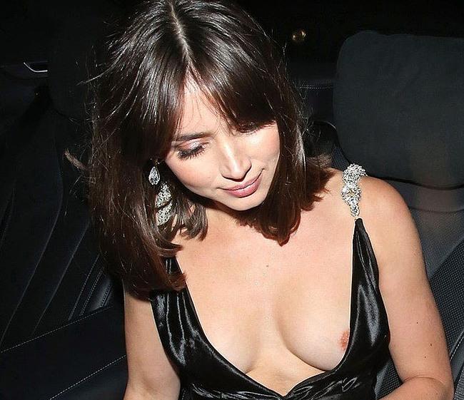 Ana De Armas nipples