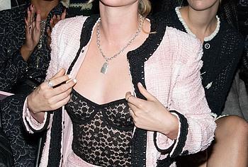 Kristen Stewart tits photos