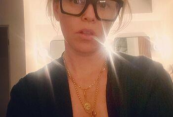 Elizabeth Banks leaked nude photos