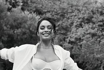 Vanessa Hudgens lingerie photos