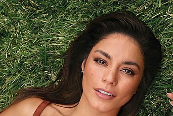 Vanessa Hudgens sexy photos