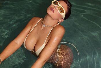 Kylie Jenner big tits photos