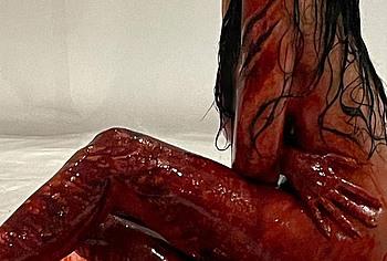 Kylie Jenner naked shots